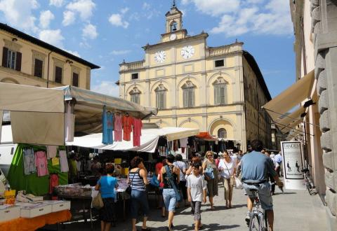 Citta di Castello on market day